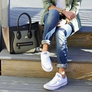 Converse All Star white low top Chuck Taylor 6.5